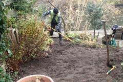 Wegjhalen oude tegels & beplanting verplanten